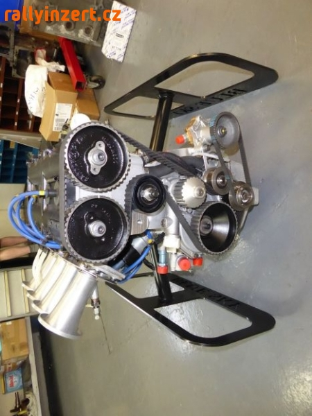 Up for sale Ford-Cosworth BDG 2.0 Litre Race Engine